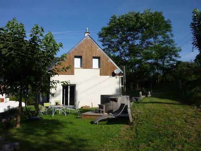 Belle maison avec bain extérieur - Sarrancolin