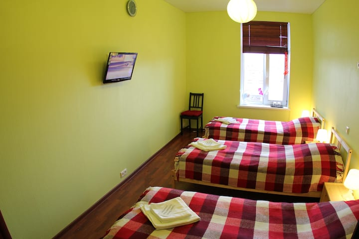 Inexpensive room 1-3 people Center