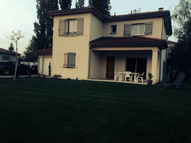 Chambre à louer dans maison neuve - Vienne - Casa