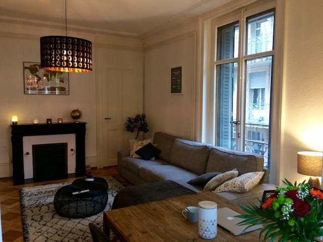Bedroom and private terrace in Lausanne - Lausanne - Wohnung