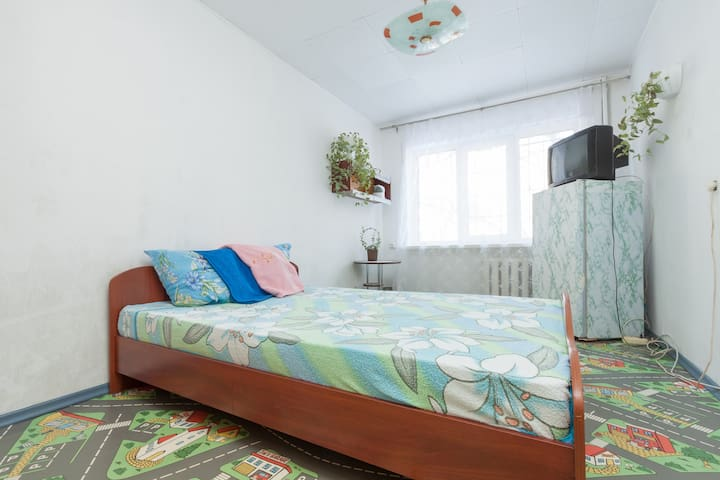 Домашняя гостиница - Yekaterinburg - Apartment