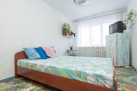 Домашняя гостиница - Yekaterinburg - อพาร์ทเมนท์