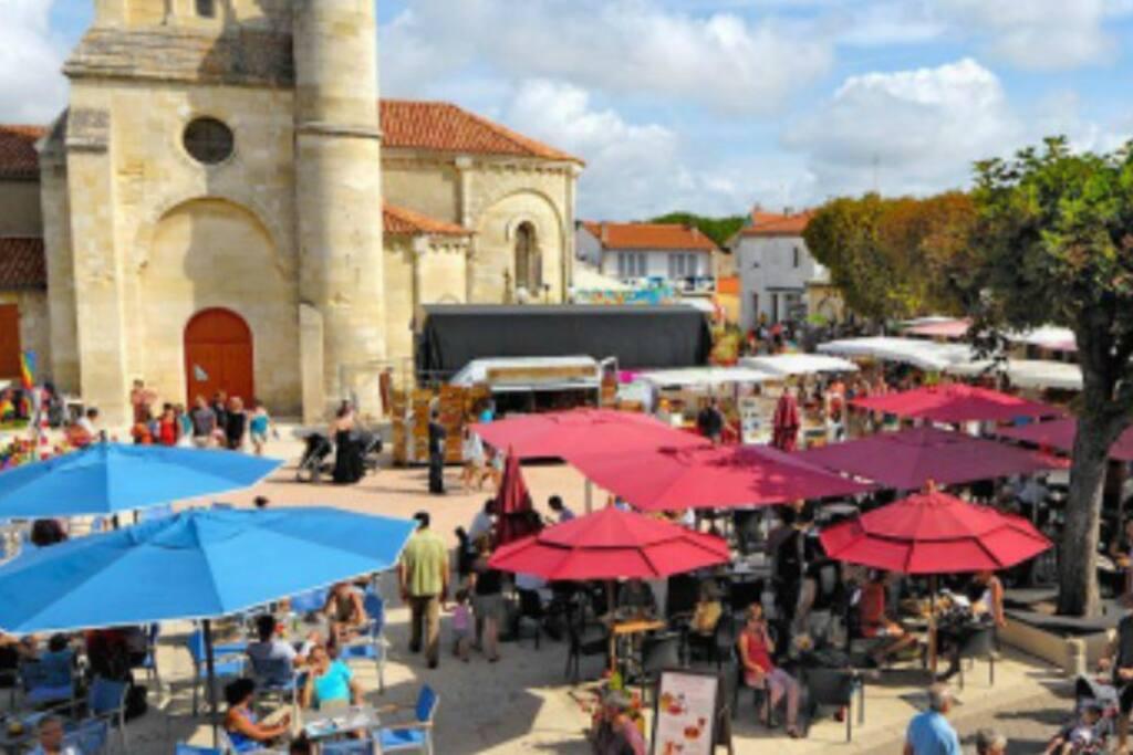 Marché Saint-Georges-de-Didonne rue piétonne vacances proche royan mer