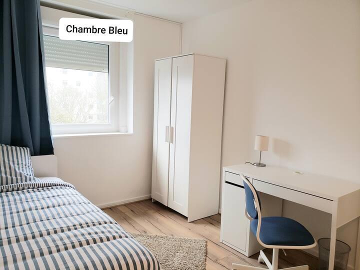 Chambre Bleu équipée à 10 min du centre de Rouen