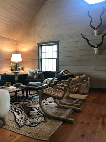 Classic Cabin through a Modern Lens
