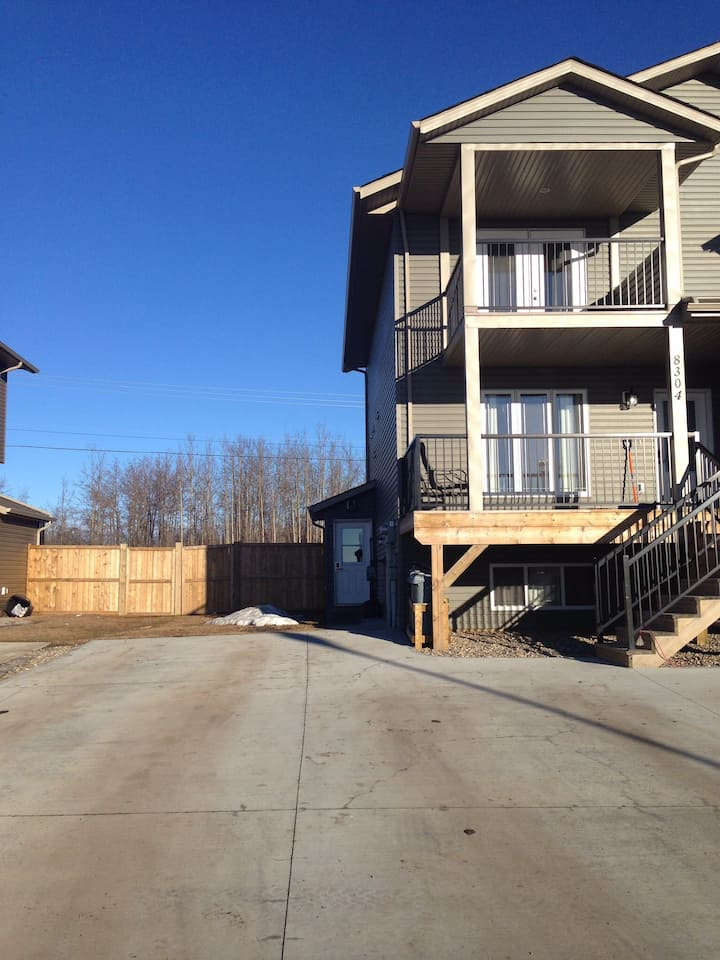 3 Bed Fully Furnished all Utilities Included