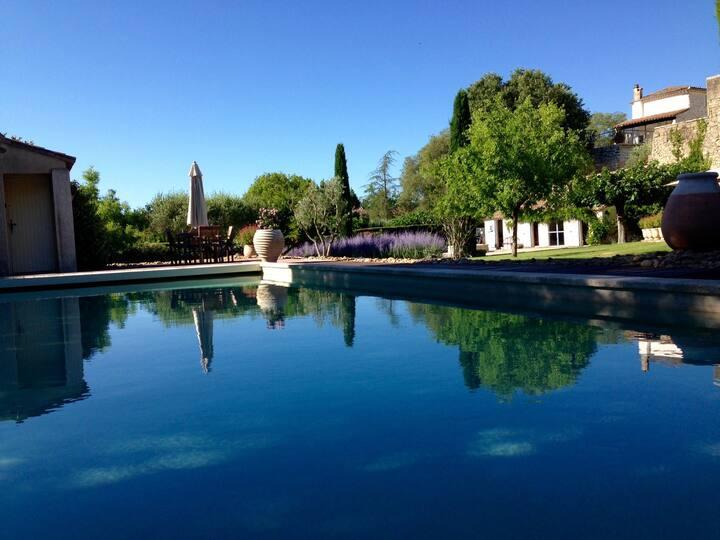Superbe mas, 5 chambres, piscine, près d'Uzès
