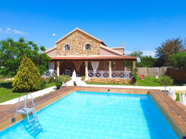 Elmar Deluxe Villa with private pool
