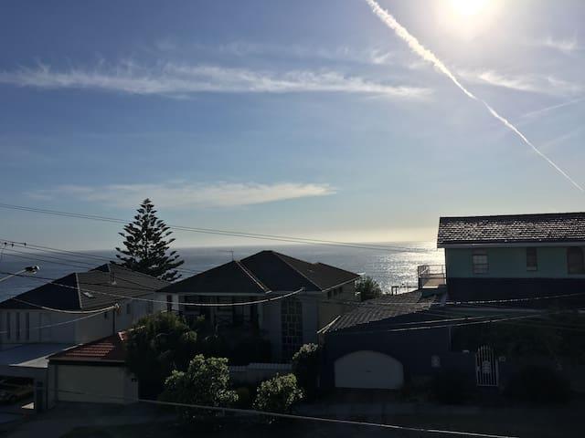 Ocean views, beach apartment - South Coogee - Appartement