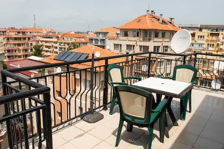 Rooftop studio apartment with sunsetview, Pomorie