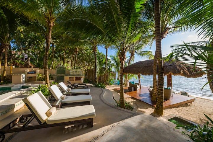Villa Moonstar Oceanfront ,5 Bedrooms