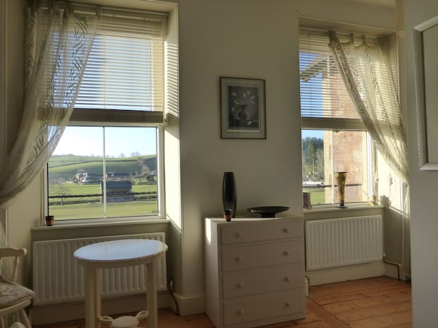 Two double rooms on edge of village - Wiveliscombe - House