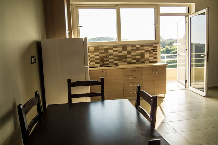 Full apartment, quiet, nice view 1 - Himarë - Apartemen