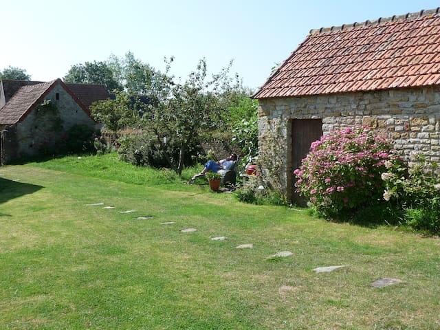 Modernised farmhouse, beach 2km