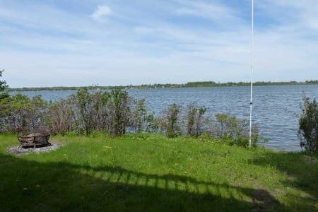 5 BR Year Rnd Ctg In View Lake ,15 Sleeps, $399 - Kawartha-innsjøene - Hytte