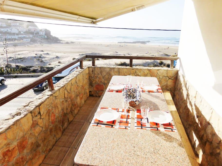 Terraço Lateral Vista Praia