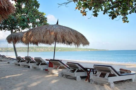 Cosy beachside studios - Kuta Selatan - Bed & Breakfast
