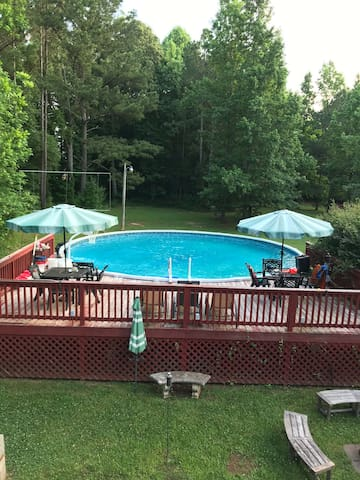 Pool, jacuzzi, and camping getaway!!!