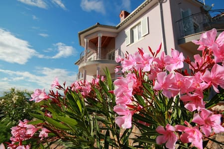 Villa Viola Apartment Oleander - Linardići - Apartament