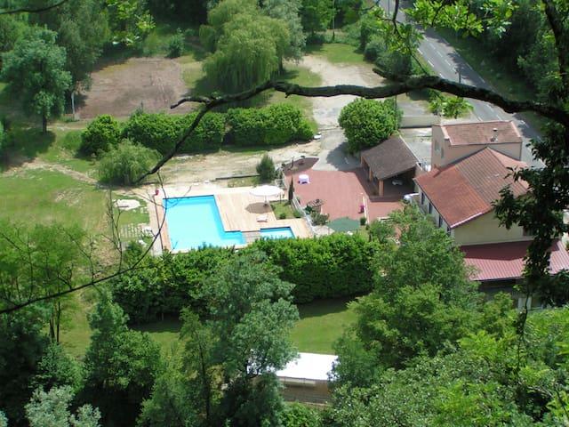 Gîte dans maison - Saint-Thomas-en-Royans - Huis
