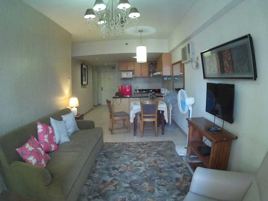 Fully furnished unit with kitchen,cable ready tv and AC units in each room.