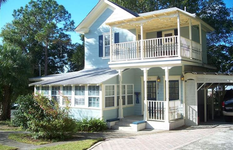 "Historic ""Tree house"" on Tremain. - Mount Dora - Villa"