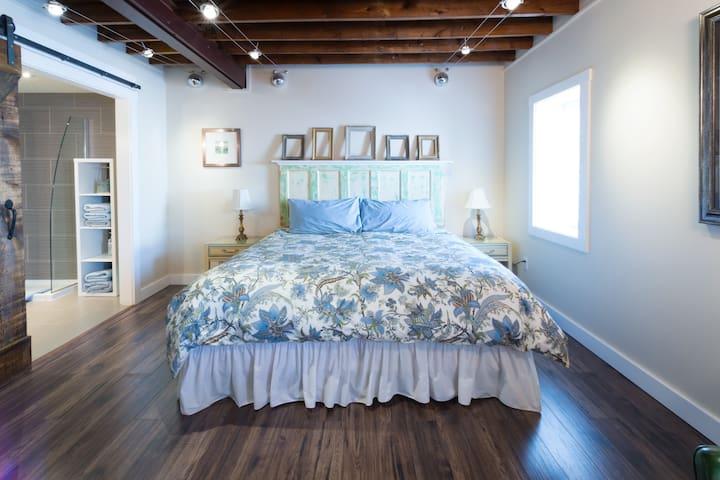 Authentic Heritage Loft Apartment