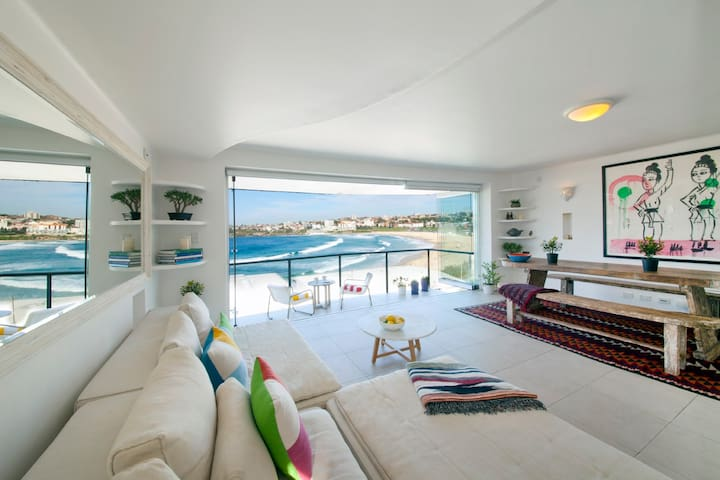 HIGH END LUXURY WITH POSTCARD VIEWS - Bondi Beach