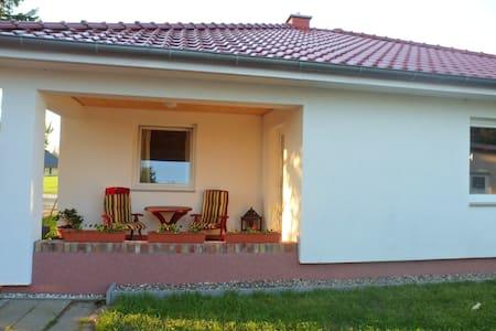 Ferienhaus Yvonne mit Terrasse - Sehlen