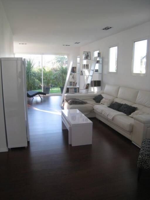 confort espace et proximit maisons louer biarritz aquitaine france. Black Bedroom Furniture Sets. Home Design Ideas