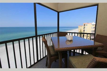 AD402 - Beachfront property with two master suites, both having king beds - Madeira Beach