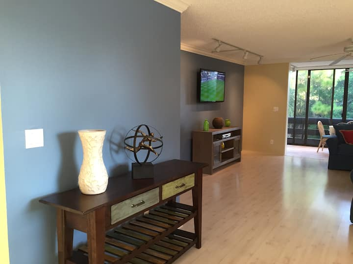 Renovated 2 BR condo Longboat Key
