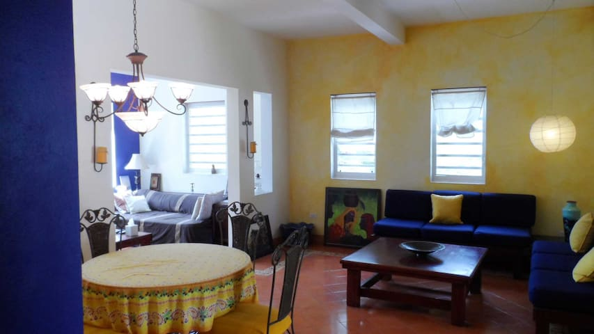 Airbnb Haiti Spacious Aparthotel - 1 to 3 Guests - Port-au-Prince - Byt