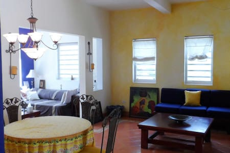 Airbnb Haiti Spacious Aparthotel - 1 to 3 Guests - Port-au-Prince