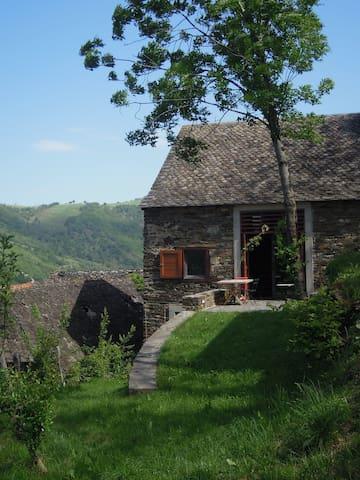 Maison avec vue sur la Truyère - Montézic - Hus