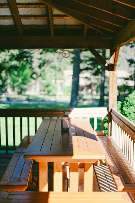 Covered Deck and Picnic Table