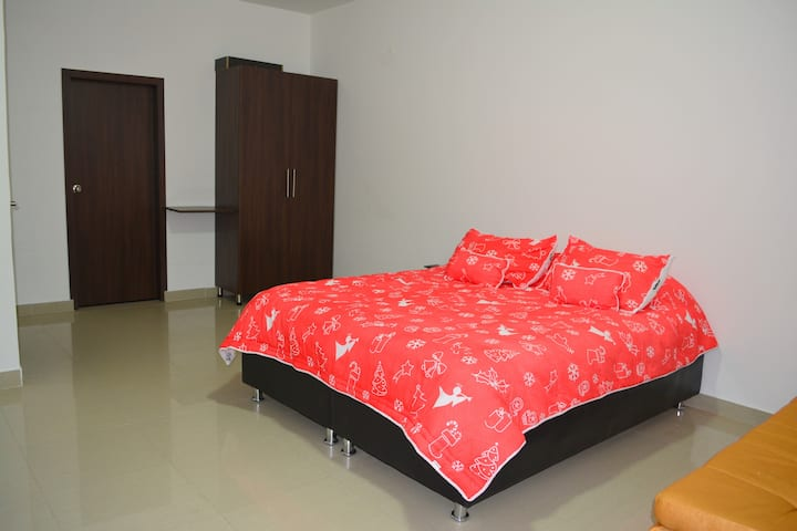 Habitación 202 tipo Suite Hotelera con Aire
