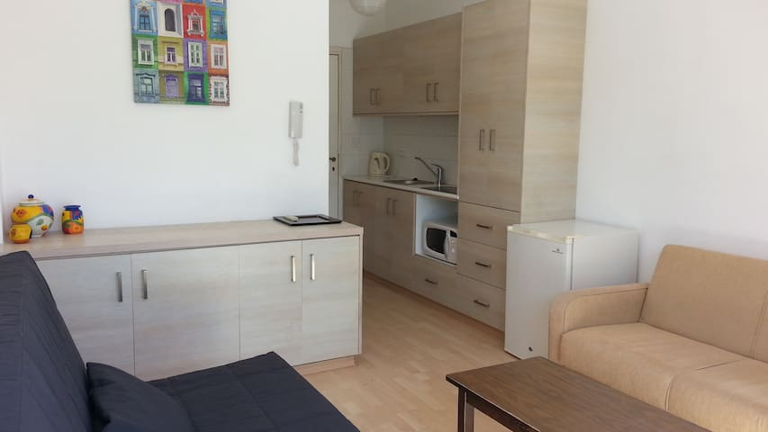 Studio - 5 min to the nice beach - Agios Tychon - Apartemen