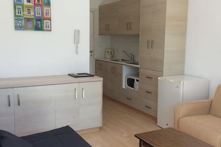 Studio - 5 min to the nice beach - Agios Tychon - Wohnung