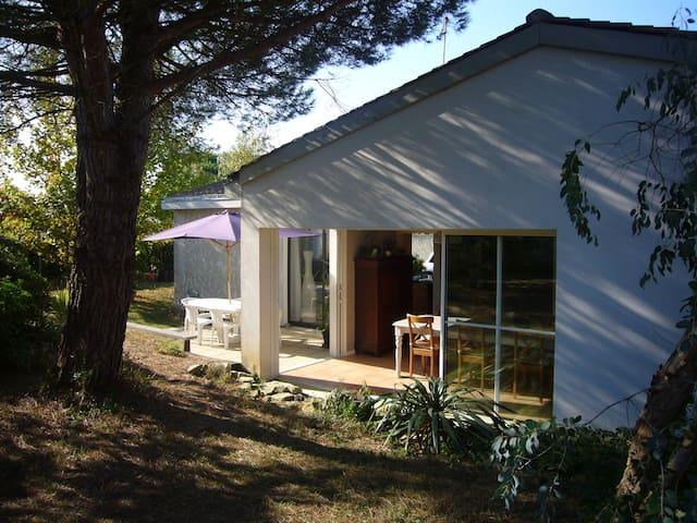 maison vacances pr s de la rochelle maisons louer nieul sur mer poitou charentes france. Black Bedroom Furniture Sets. Home Design Ideas