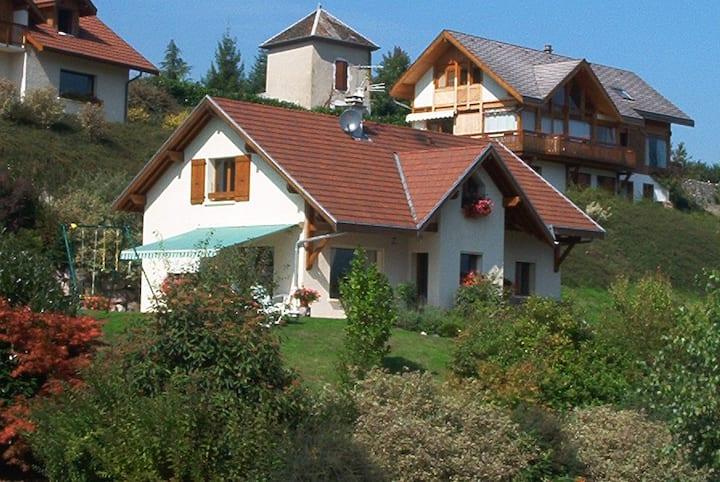 Proche Annecy et lac, maison lumineuse de 170 m²