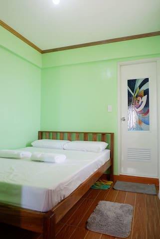Pananayan House Sabtang: Couple Bed Own T&B Beach