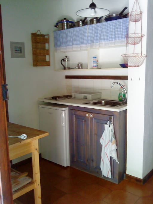 Small but well equipped kitchen with toaster, kettle, coffeemachines of your choice and more...