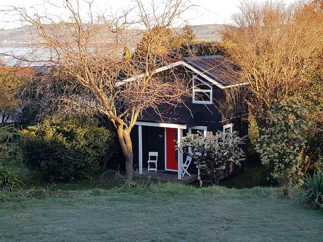Taupō Tiny House: Kōwhai Korner (2018 new build)