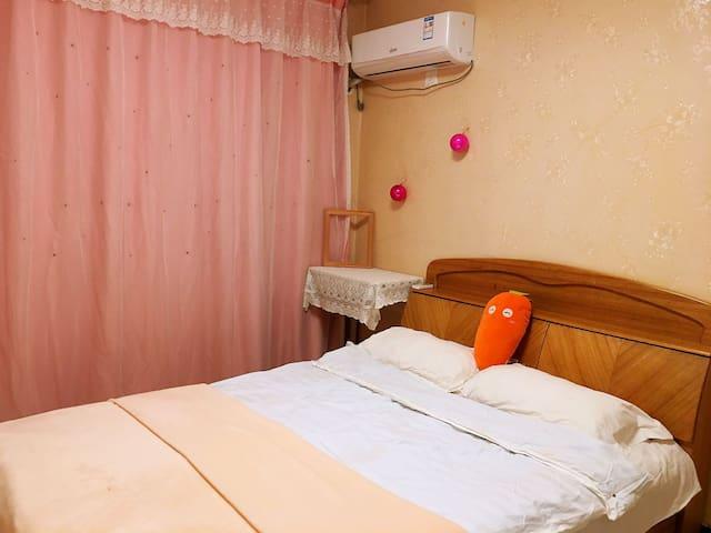 限女生温馨干净の卧室