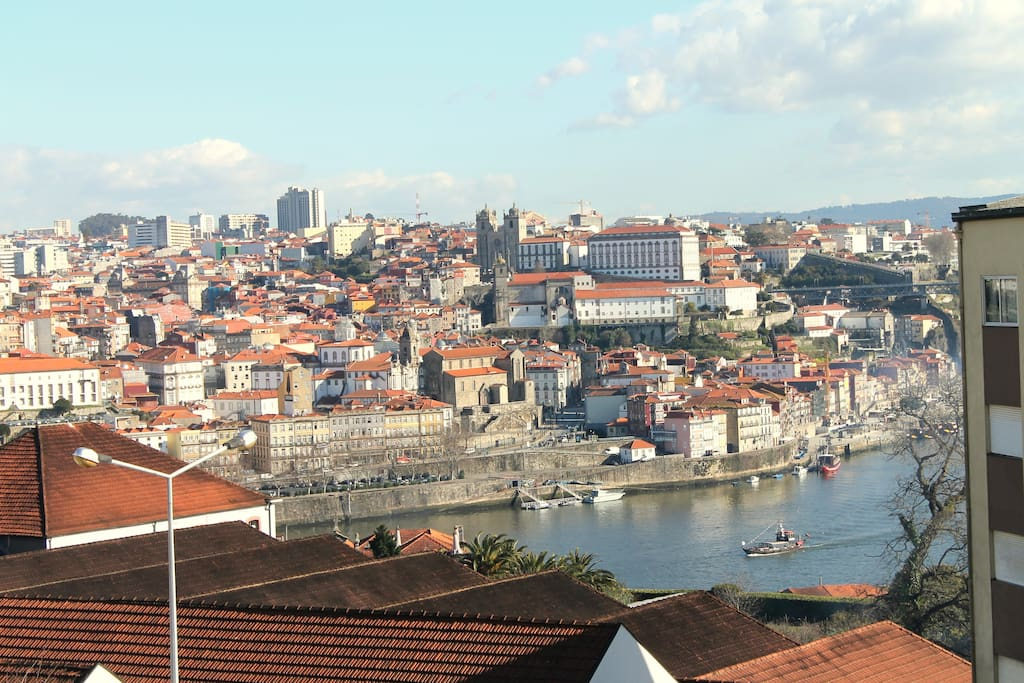 vila nova de gaia hindu singles The holiday inn porto gaia is a four star hotel located in the heart of vila nova de gaia - porto the hotel is only a short distance from the worldwide famous port wine cellars, the historical city center of oporto, blue flag beaches and also train and metro station.