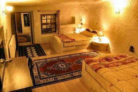 Suit 4 person-Lalezar Cave Hotel - Göreme  - ถ้ำ