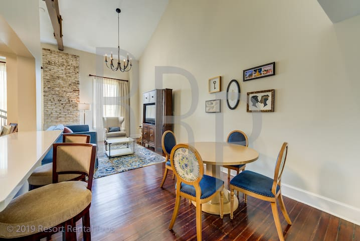 The Lodge Alley Inn™ - 2 Bedroom Townhouse