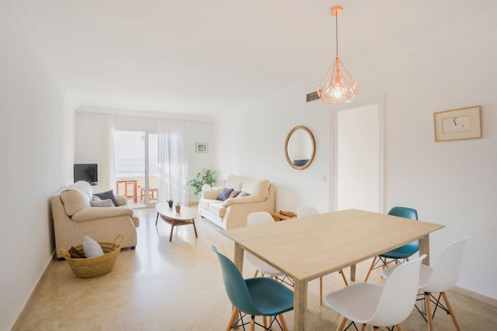 Bright, spacious living and dining area