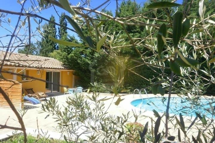 Gite Luberon  et Alpilles au calme coeur  Provence